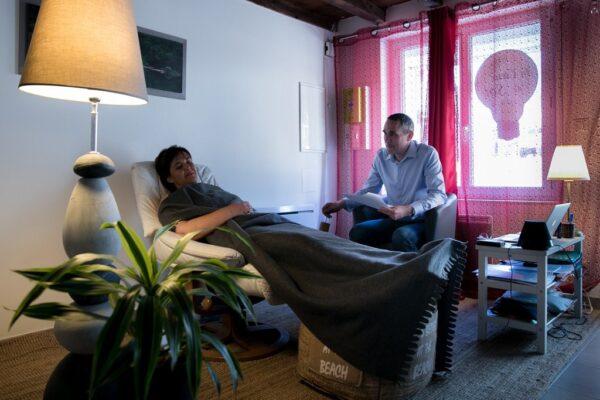 Read more about the article Comment devenir hypnothérapeute ?